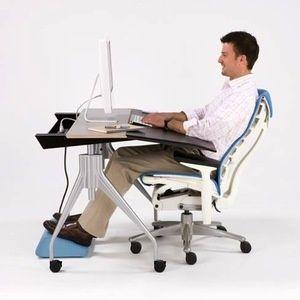 Hands On Herman Miller Envelop Reclining Desk In 2020 Ergonomic Desk Chair Ergonomic Desk Ergonomic Office Chair