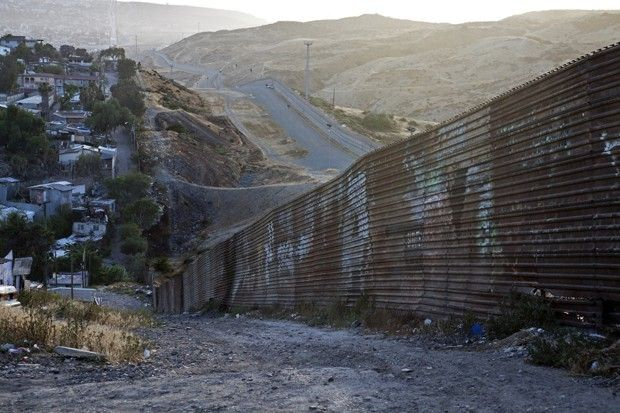 What Is The Mexico Border Fence Made Of The USMexico - Us mexico wall map