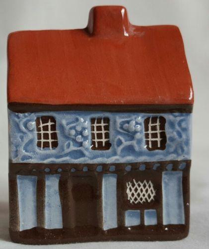 Mudlen End Studios No16 Cottage With Moulded Plaster Decoration Decor Suffolk Cottage Cottage