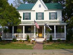 Best White House With Green Metal Roof Google Search Green 400 x 300