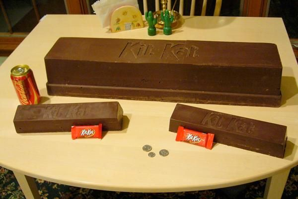 I found 'giant kitkat' on Wish, check it out!