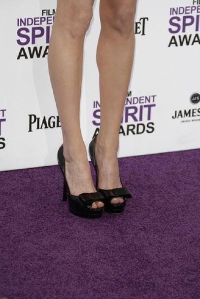 Michelle Williams #shoes #fashion #celebrity #heels #black