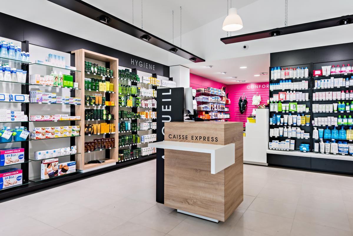 Pharmacie De La Croix Desilles Commercial Lighting Https Www Facebook Com Citylightingproducts Meuble Pharmacie Pharmacie Design Agencement Pharmacie