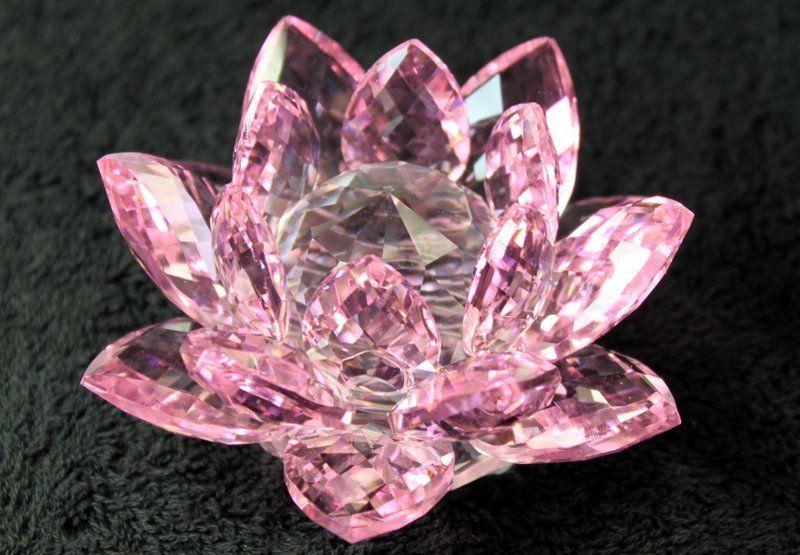 Crystal Lotus Flower Healing Reiki Feng Shui Gift Boxed Pink