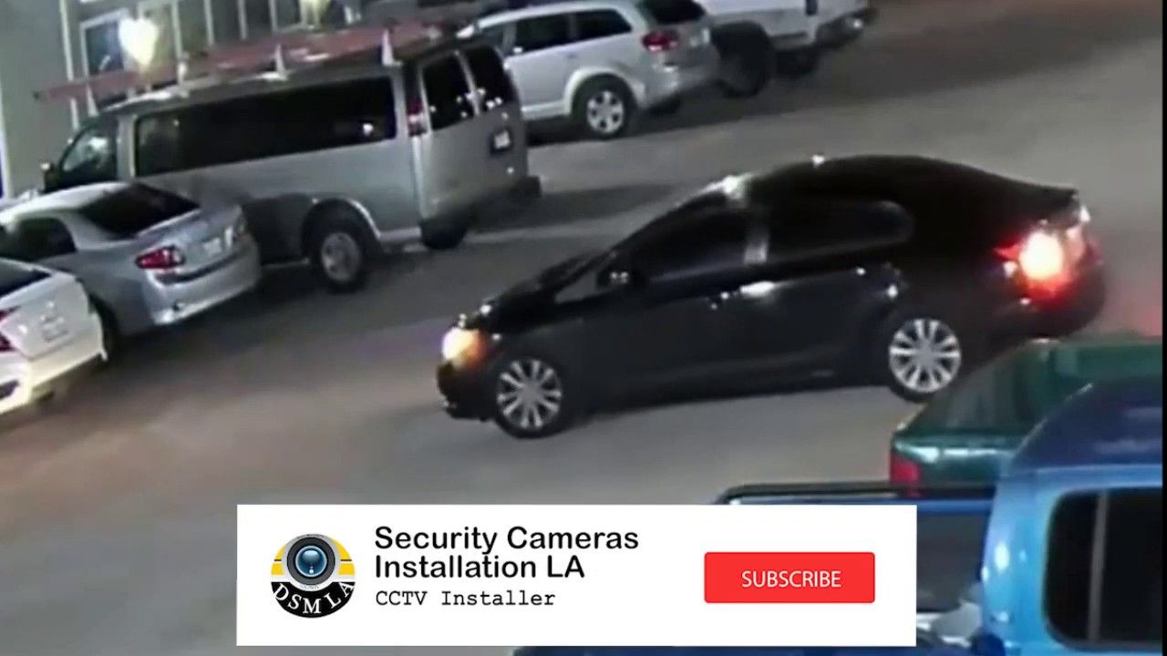 Aggravated robbery at an apartment Surveillance video