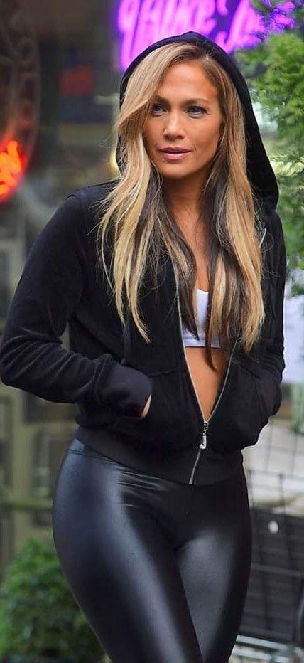 Pin von Vanessa auf Jlo | Frauen in leggings, Schöne frauen