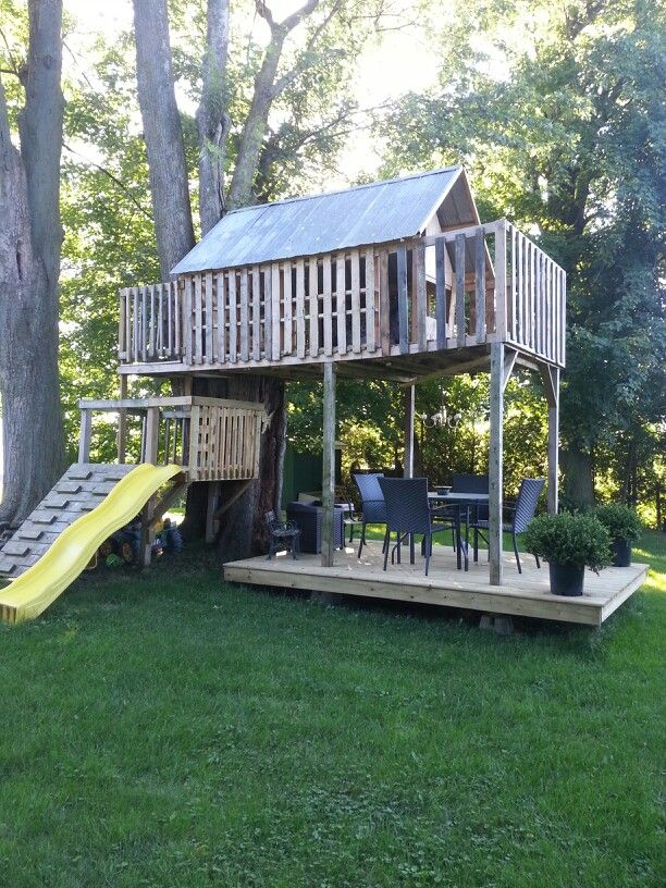 Pin By Leah Poole On Pallet Fun Pallet Tree Houses Tree House
