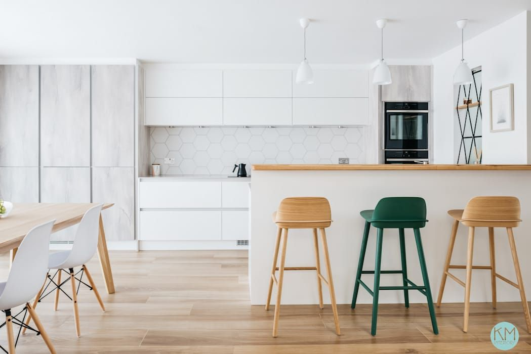 Scandinavian Style Open Kitchen With A Breakfast Bar Scandinavian Style Kitchen By Katie Malik Interiors Scandinavian Scandinavian Kitchen Open Kitchen Breakfast Bar Kitchen
