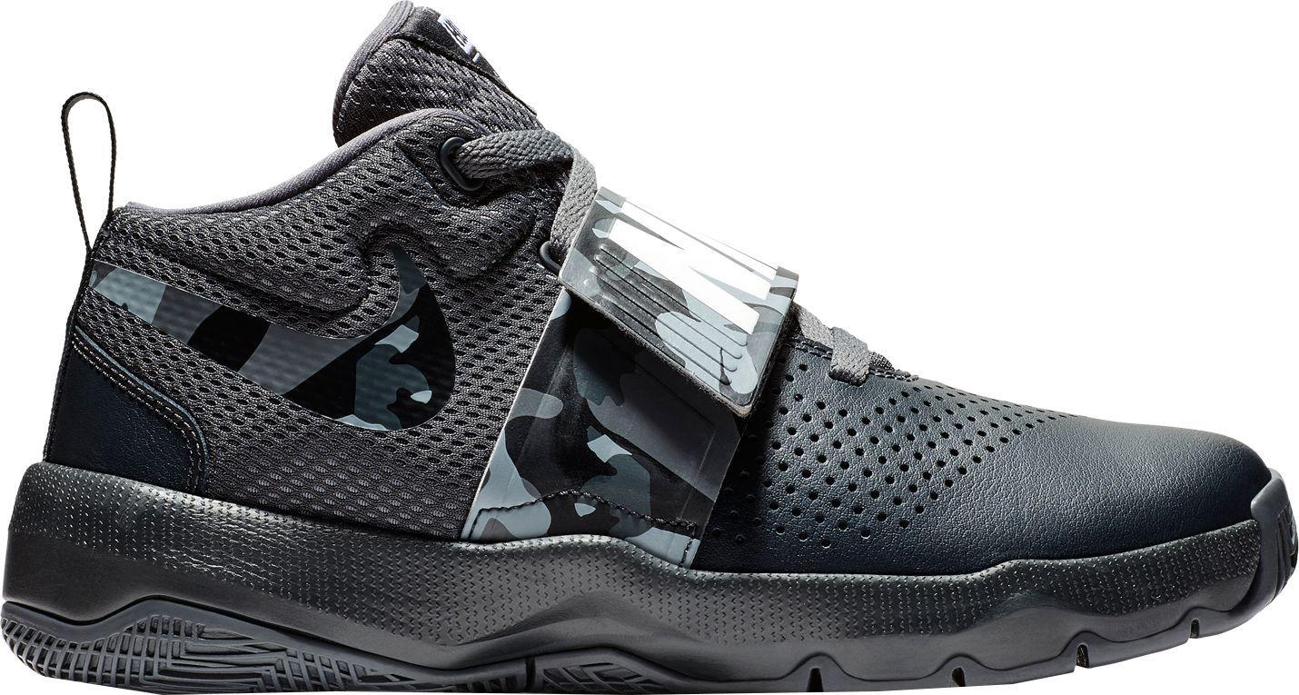 3df5c3768e3b1 Nike Kids' Grade School Team Hustle D 8 Camo Basketball Shoes, Size: 3.5,  Black