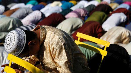 Michigan Muslim man seeks $100mn from Little Caesars after eating pork mislabeled as halal