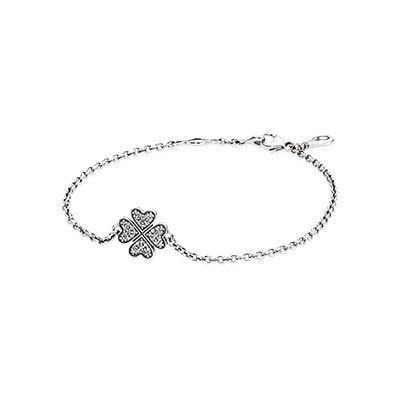 Wear the pretty clover bracelet and add a bit of luck to your life. Stack it with some of PANDORA's other bracelets for a boho-chic layered style. #PANDORAbracelet