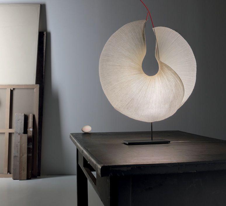 Melody Luminaires A Fixer Sur Support 3eme Niveau Design Studio Manade Manade Luminaire Lampe De Bureau Lamp