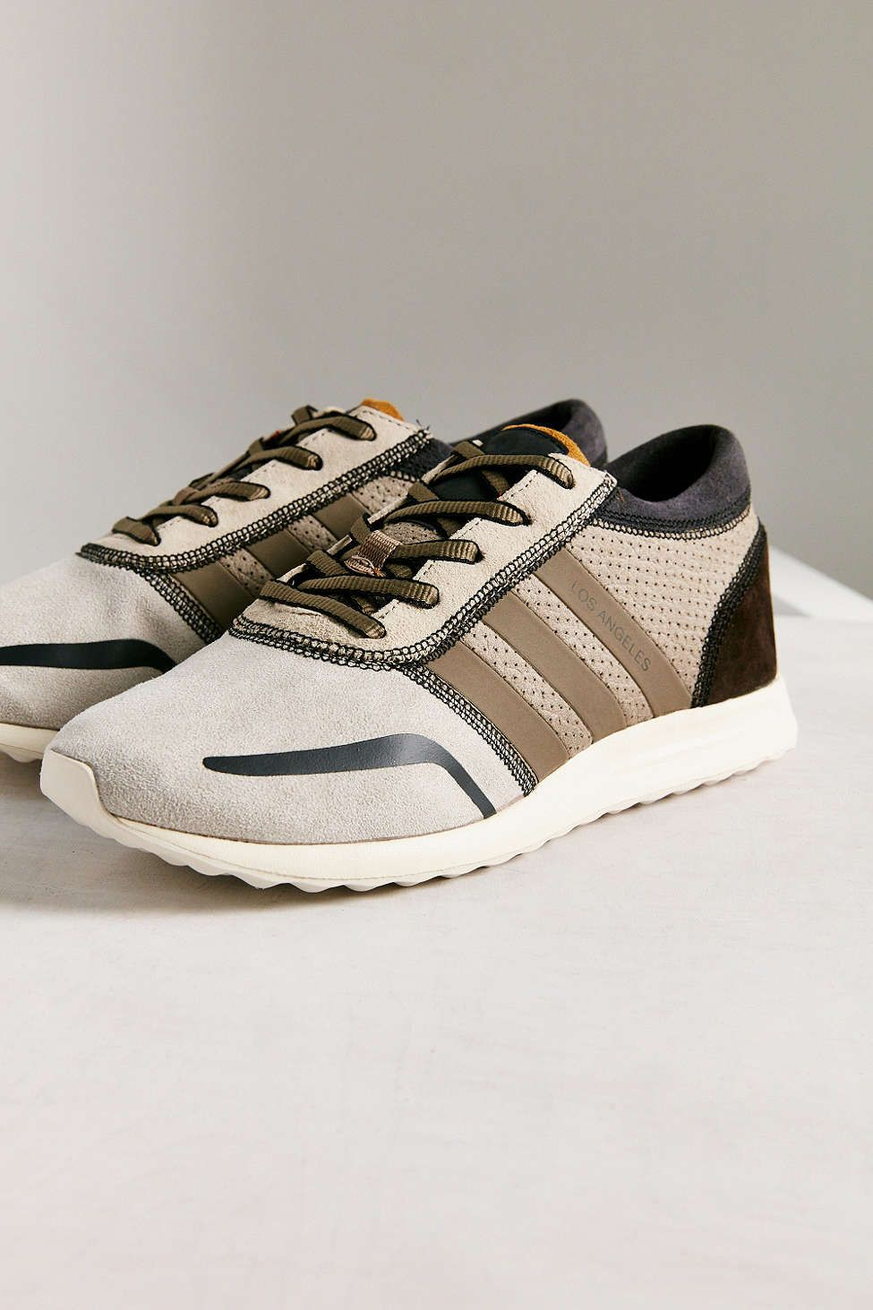 premium selection 36c0e 733b5 adidas Originals Los Angeles Pack Earth Tones Trendy Womens Sneakers, Urban  Outfitters Style, Adidas