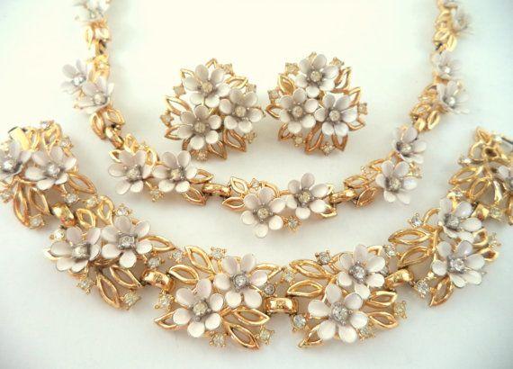 Crown Trifari PAT PEND Necklace Bracelet by SmallTownVintageShop