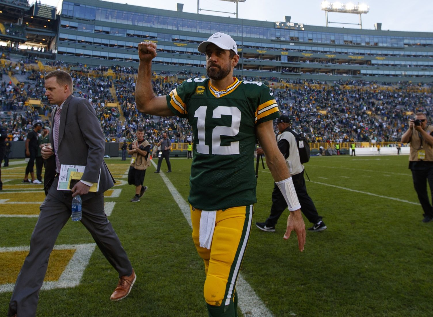 Packers' Offense Shows Up for Win Over Oakland Raiders at
