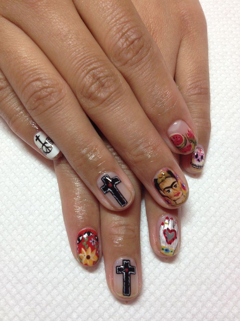 Frida Kahlo nail! What! http://www.disco-tokyo.com ameblo.jp ...