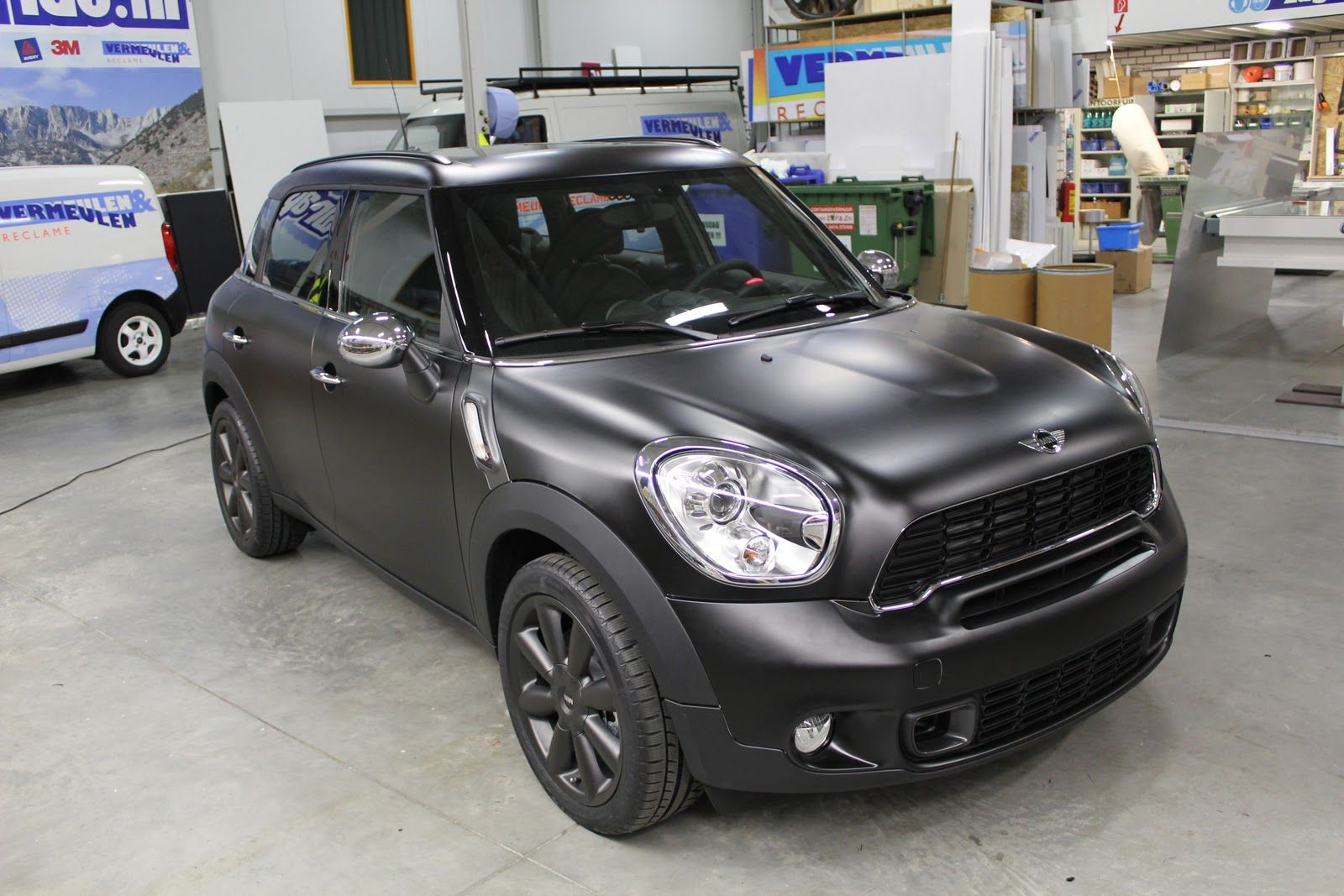 Mini Countryman Matte Black I Like The Look But Not In