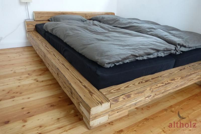 Bett Aus Handgehackten Altholz Balken Diy Pinterest Bed
