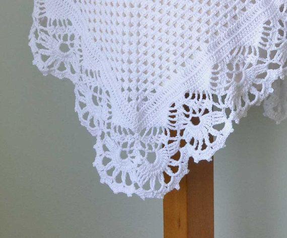 Hermoso encaje crochet chal triangular patrón. Este listado está ...