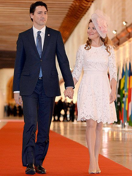 Star Tracks: Sunday, November 29, 2015 | MEET CUTE | Canadian Prime Minister Justin Trudeau and his wife Sophie walk hand-in-hand to the Commonwealth Heads of Government Meeting in Valletta, Malta, on Friday.
