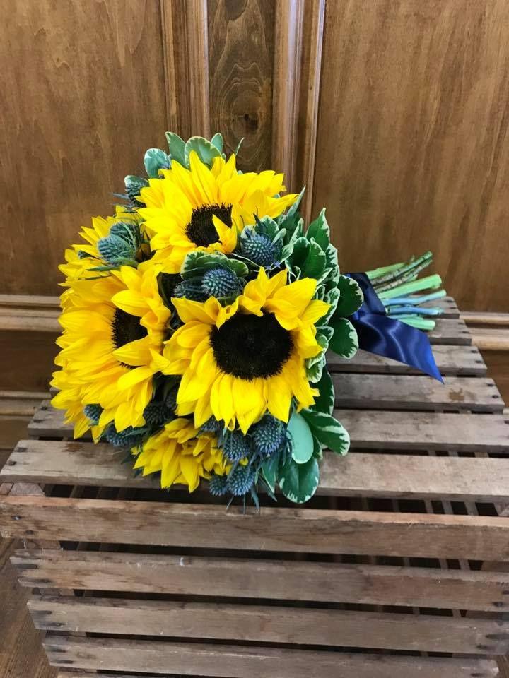 Pin by anya brooks on livs wedding wedding flowers