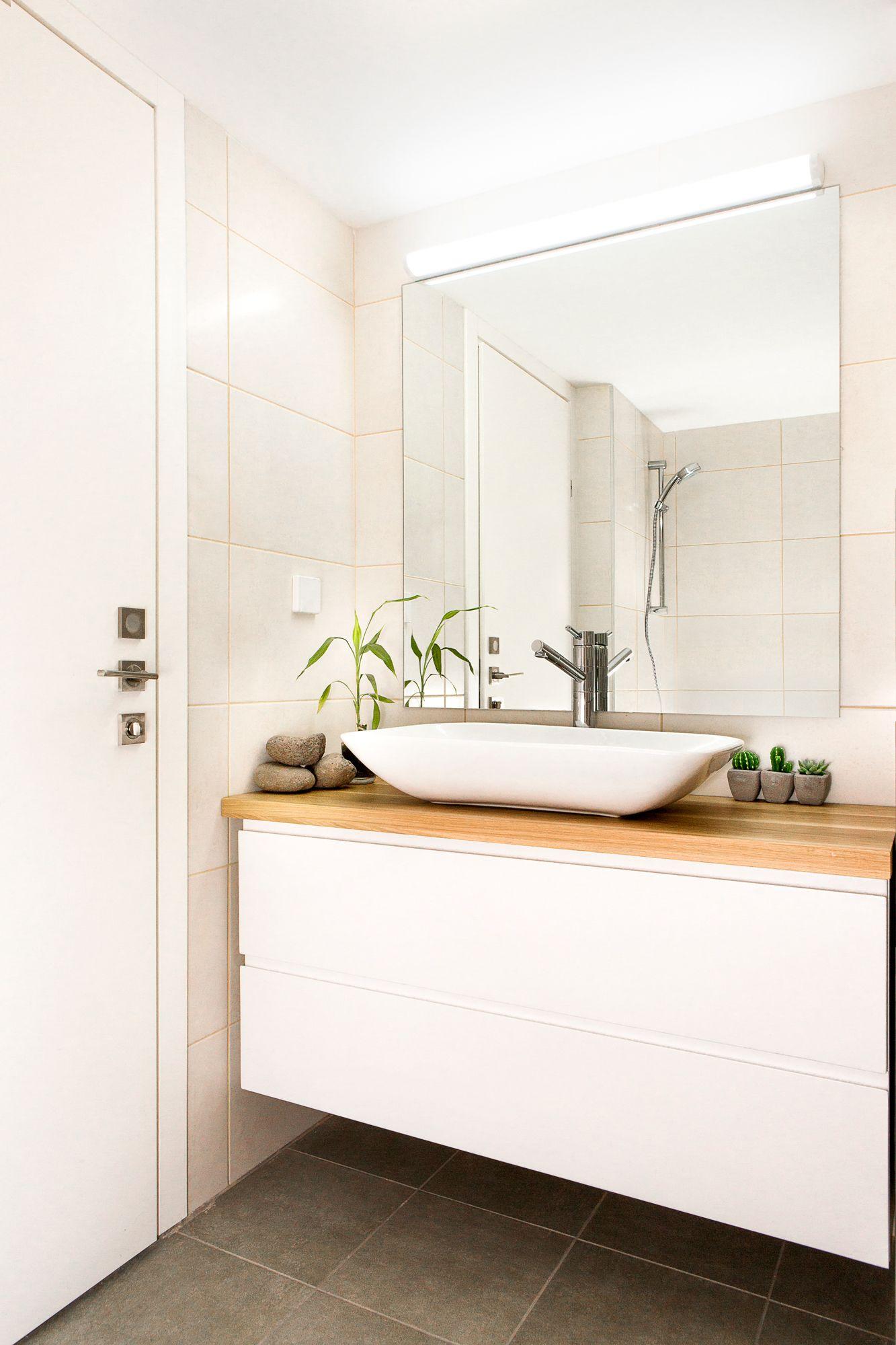 white bathroom Cabinet | דירת קבלן / Apartment design | Pinterest ...