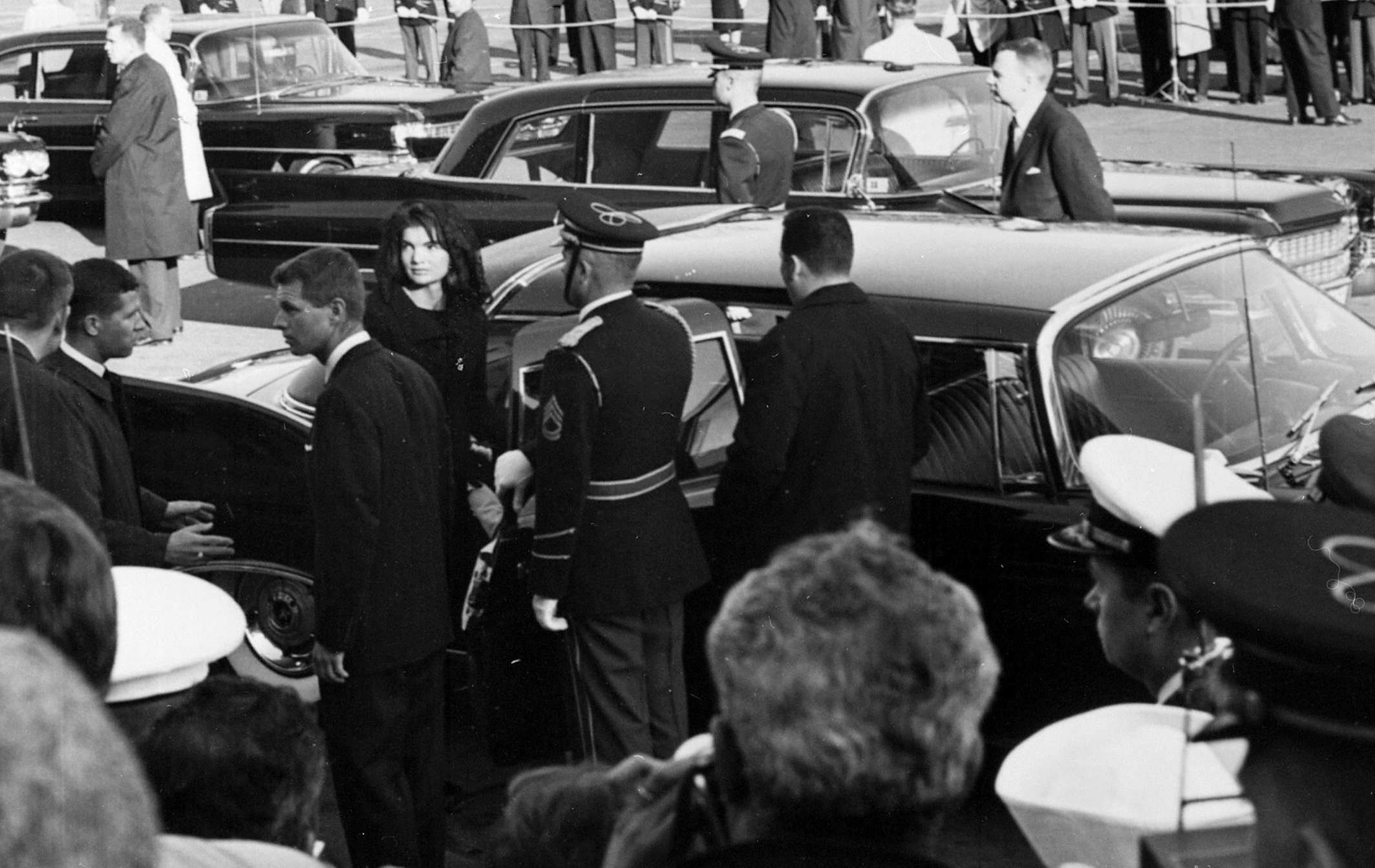 Jackie Kennedy Funeral | File:JFK funeral - Jacqueline & Robert Kennedy entering limousine.png ...