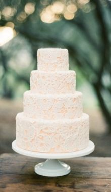 Lace wedding cake. Simple and so elegant!
