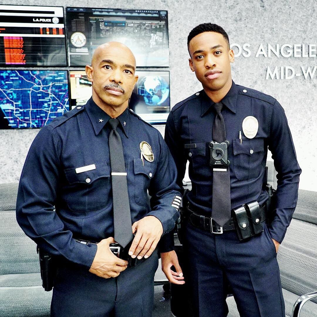 Pin By Stephanie Gois On The Rookie Los Angeles Police Department Eric Winter Tv Shows