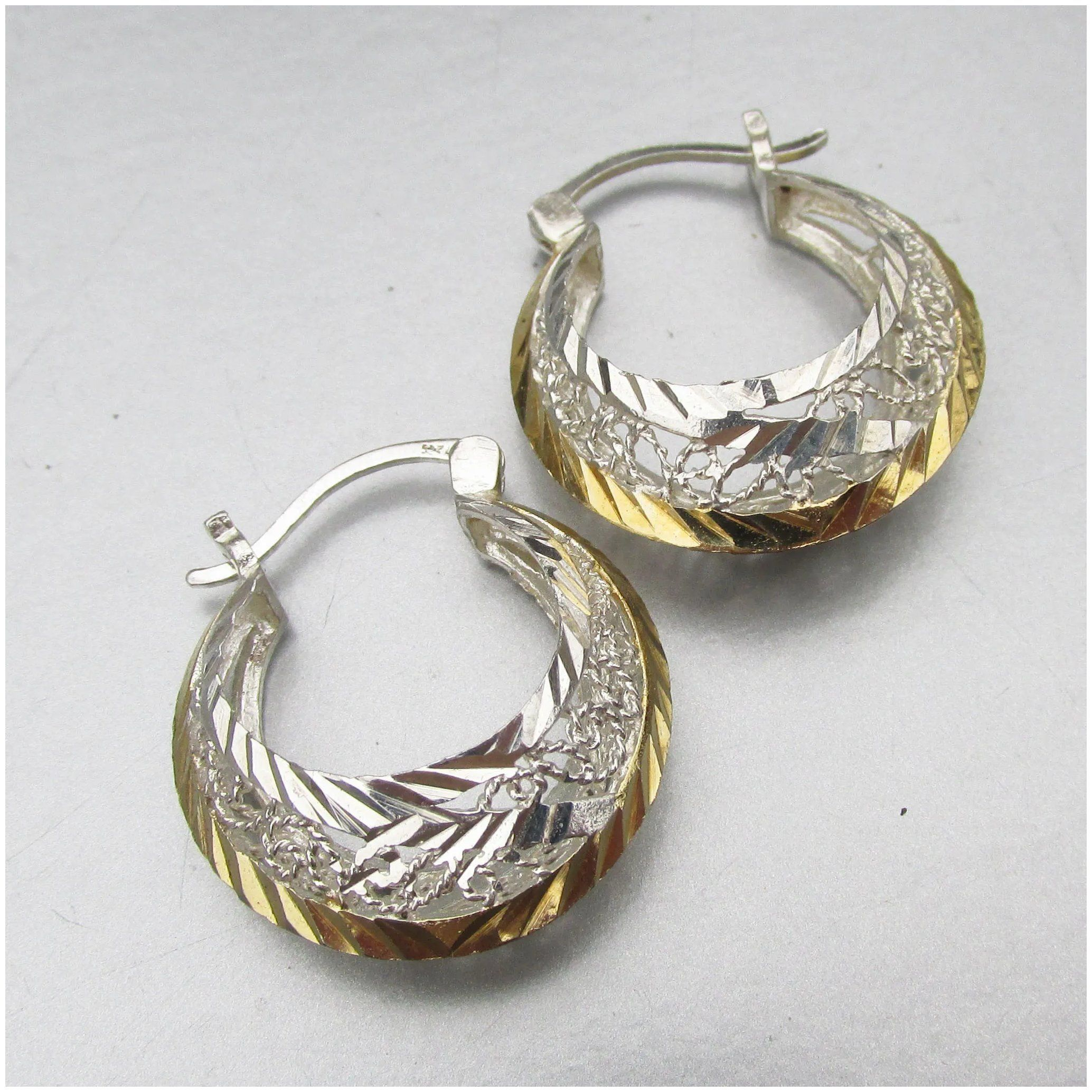 Filigree Sterling 10k Gold Pierced Puffy Hoop Earrings In 2020 Hoop Earrings Filigree Earrings