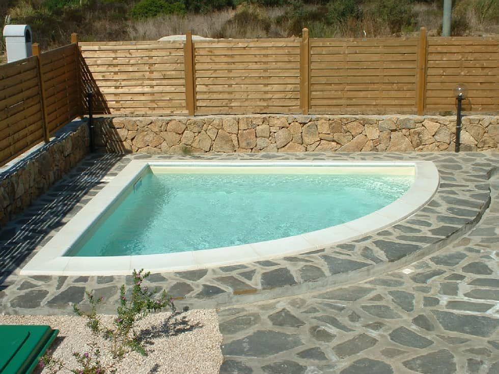 Piscine private piscina in stile mediterraneo di acquaform ...