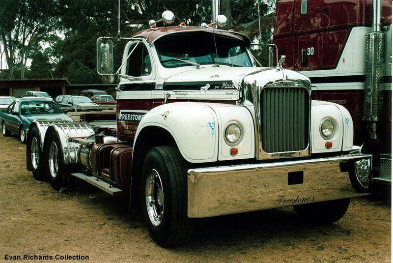 these old macks are so cool trucks trucks oldtimer. Black Bedroom Furniture Sets. Home Design Ideas