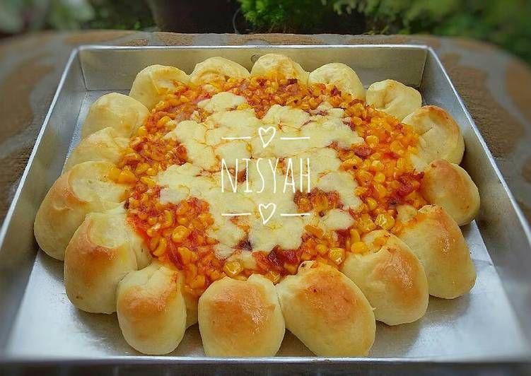 Resep Cheesy Bites Pizza Empuk Ulen 10 Menit Aja Oleh Nisyah Resep Makanan Kue Sarapan Makanan Penutup Mini