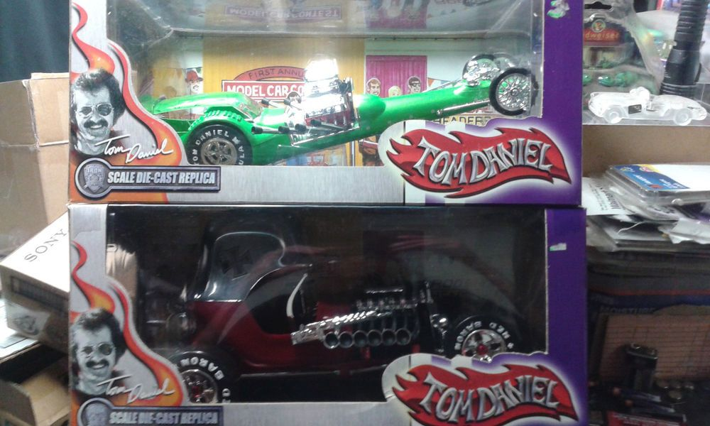 TOM DANIEL 1/18 TARANTULA AND RED BARON TOYZONE N I P  LOT OF 2
