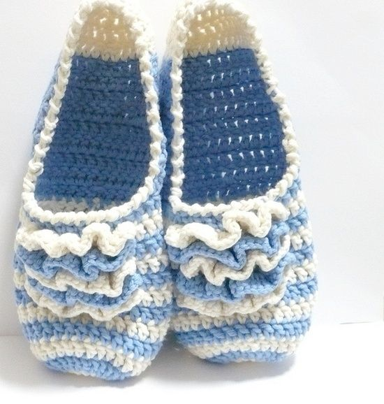 crochet slippers. Made one of them. too much pretty, in white and yellow