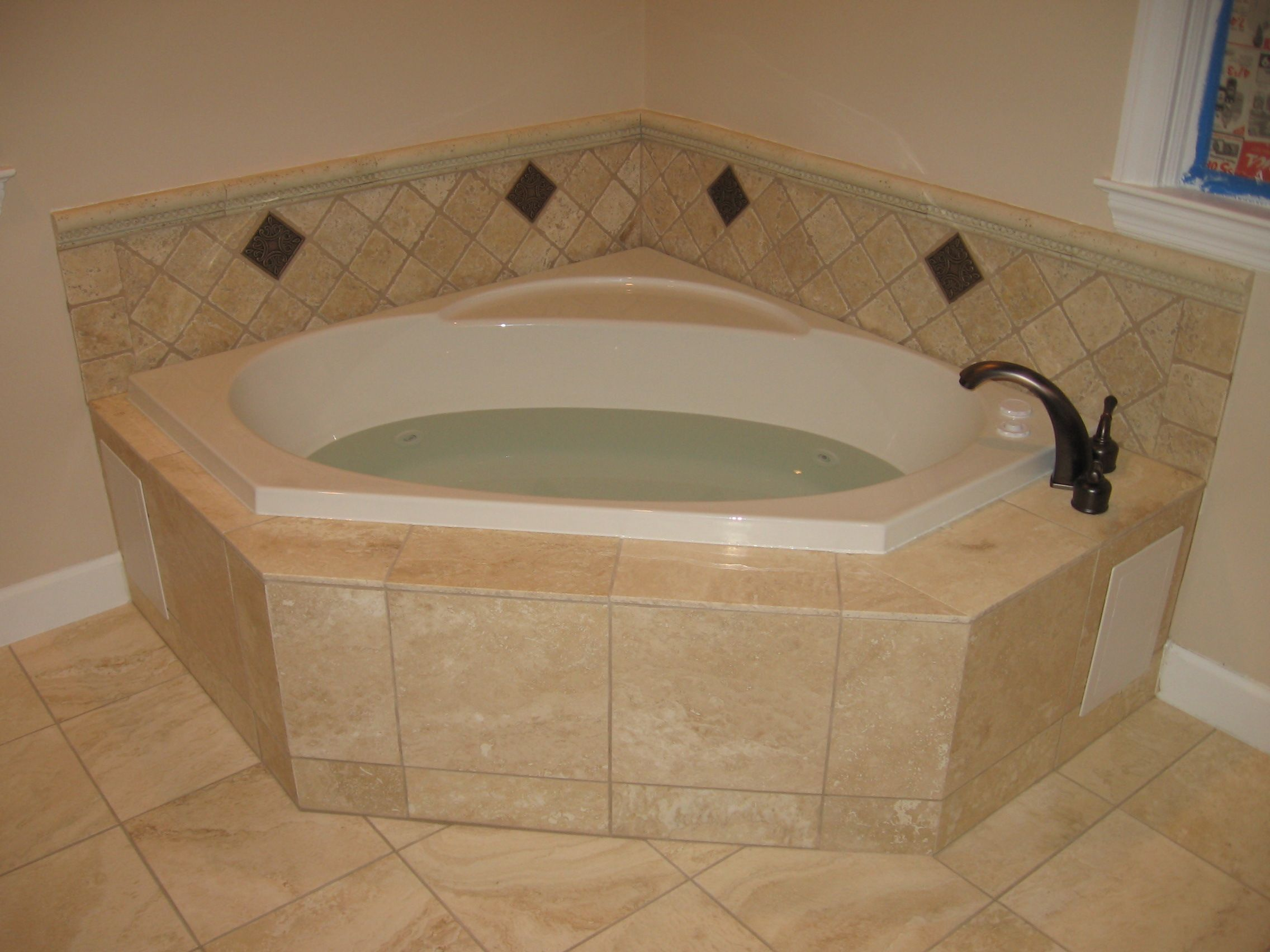 15 interesting whirlpool corner bathtub picture ideas for Jet tub bathroom designs