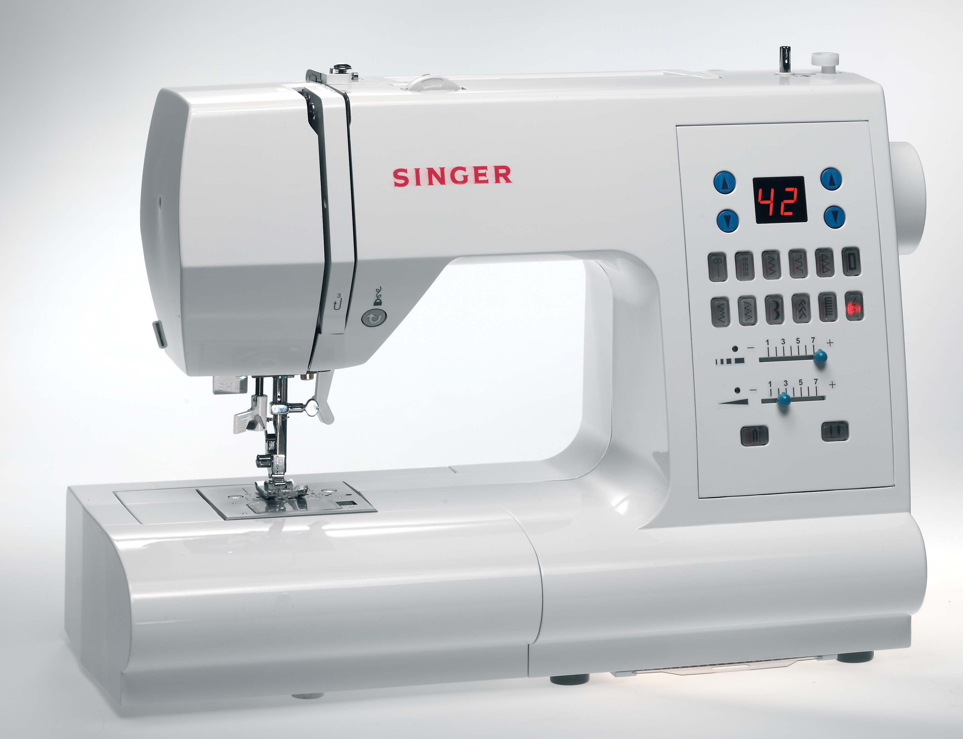 Singer fully electronic sewing machine w stitch