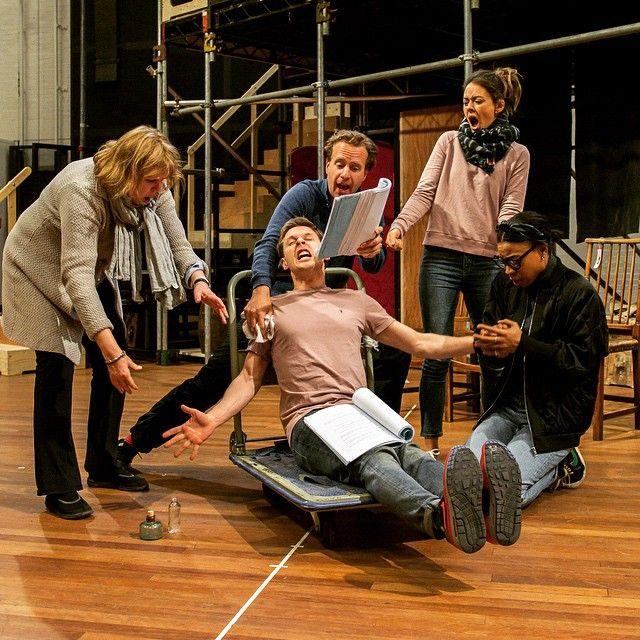 Take a peek into #TheBeauxStratagem rehearsal room with Jane Booker, Samuel Barnett, Geoffrey Streatfeild, Susannah Fielding and Pippa Bennett-Warner. #theatre #acting