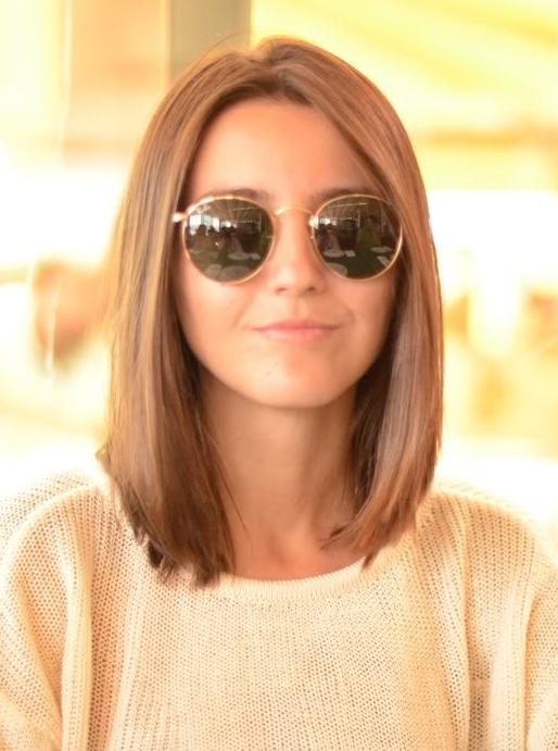 Une coupe carré (avec images)   Coupe de cheveux, Cheveux fins, Coiffure courte