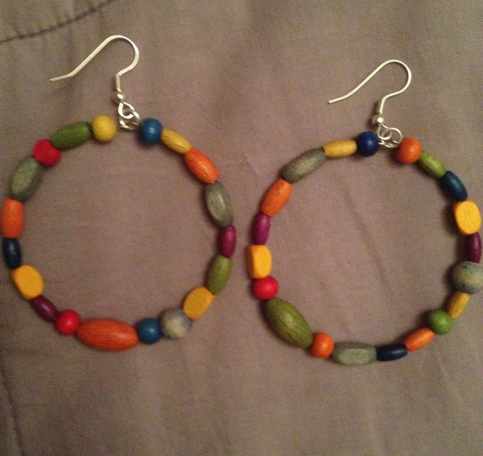 Wooden Beaded Memory Wire Earrings Cant Wait To Wear These