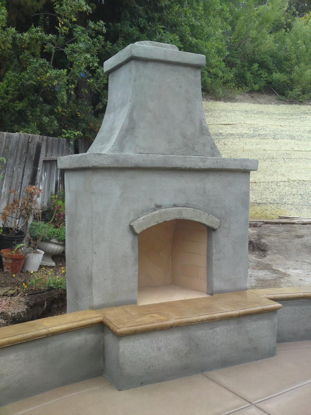 Outdoor fireplace pictures detail on the firebox with for Prefabricated outdoor fireplace kits