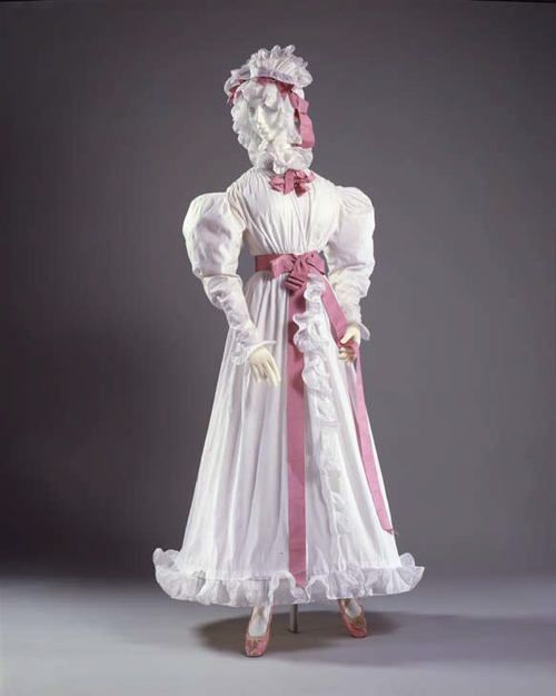 Cotton Dress   circa 1830
