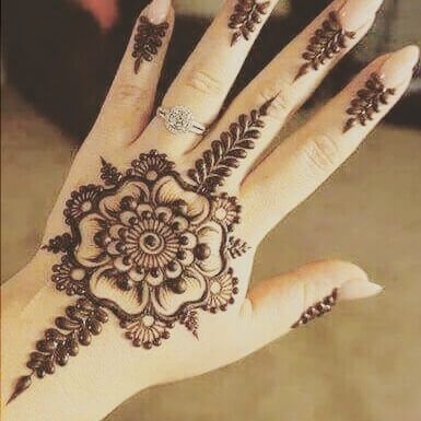 Leaf simple mehndi design on back hand also easy and traditional henna arabic designs in rh pinterest