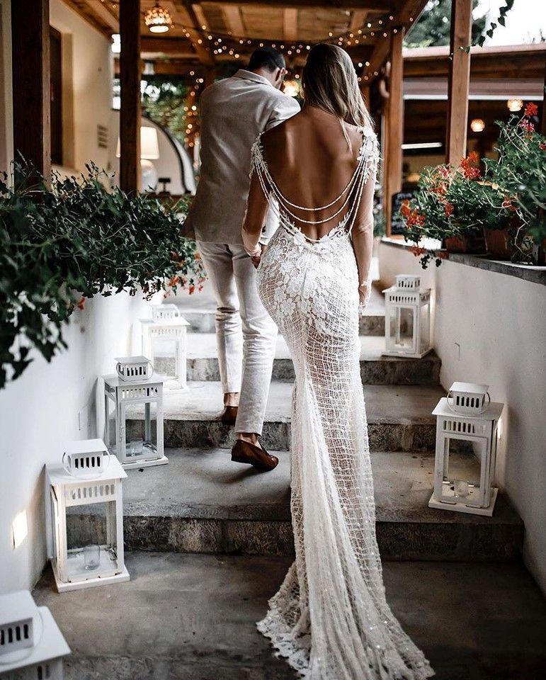 Rhiannon - Queen of Hearts - Bridal Dresses #hochzeitskleiderhäkeln