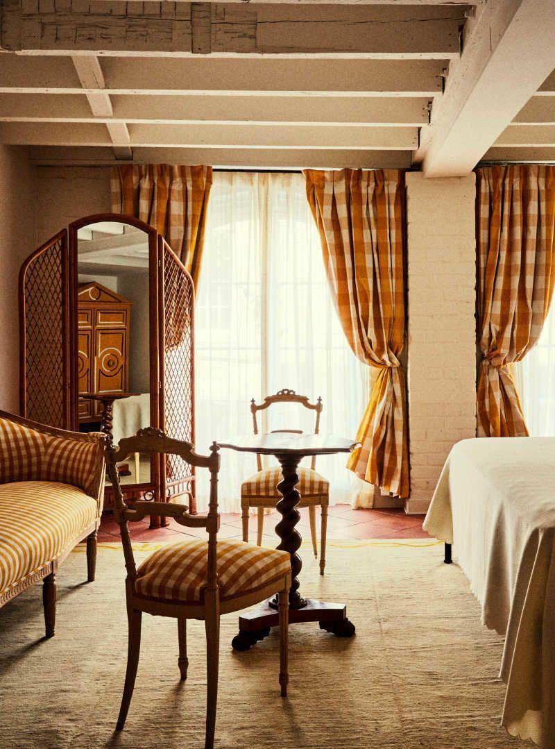 A Look At Nola S Chic New Hotel Peter Paul Beautiful