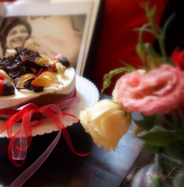 My Mother's Day Cake: Strawberry jam with chocolate bavaroise and cream - gluten free http://valycakeand.blogspot.it/2013/05/torta-fragole-bavarese-al-cioccolato-e.html - Torta con marmellata di fragole, bavarese al cioccolato e panna cotta