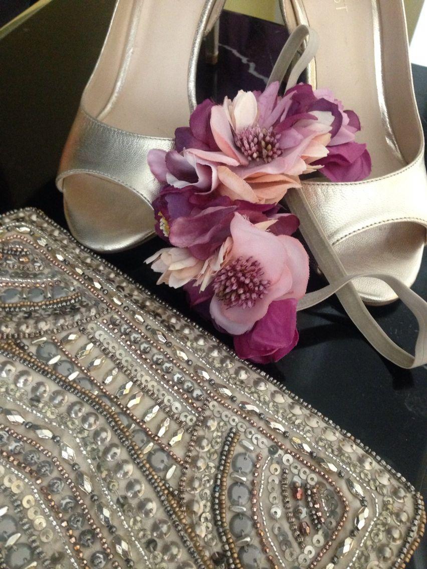 Spring Wedding accessories. Love it! #complementos boda #invitadas