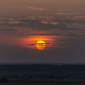 Sunrise at Danebury Stone Age Hill Fort solstice morning. Andy Taylor | 500px