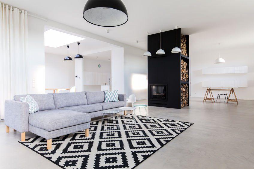 Kochasz Wyraziste Dywany I Ogromne Wolne Przestrzenie Ten Salon Zostal Stworzony Z Mysla O Tobie 3 Design Urzad Wood Look Tile Floor Modern Fireplace Home