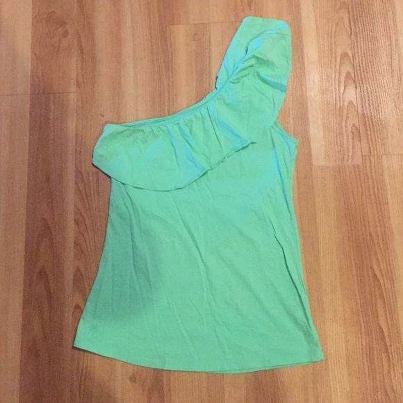 2217a9558757c8 Lilly Pulitzer Mint Green Morely Top Size Small 100% cotton mint green Lilly  Pulitzer tank. The Morely top is a one shoulder ruffled tank
